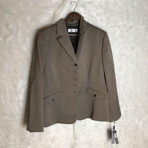 Tahari Arthur S Levine Woman's Size 16 Suit Jacket